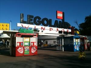 Lego_land_gate